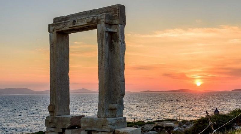 Telegraph για την Νάξο: «Ασυναγώνιστη γαστρονομία και πολιτιστική κληρονομιά φέρνουν στην κορυφή της Ελλάδας το νησί»