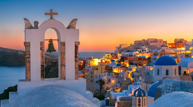 Περιοδικό Global Traveler: Η Σαντορίνη το καλύτερο νησί στην Ευρώπη για τους πλούσιους ταξιδιώτες