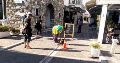 Εργασίες καθαρισμού και συντήρησης των φρεατίων και των ρεμάτων στην Πάρο